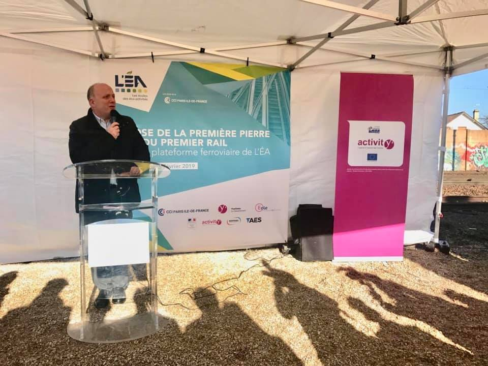 Aubergenville – 1ère pierre de la plateforme de formation ferroviaire à l'Itedec