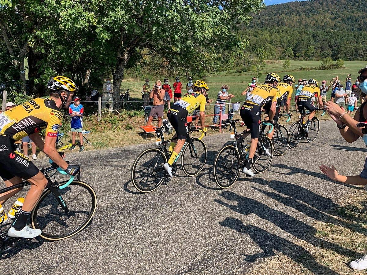 Départ de Mantes-la-Jolie pour la dernière étape du Tour de France 2020