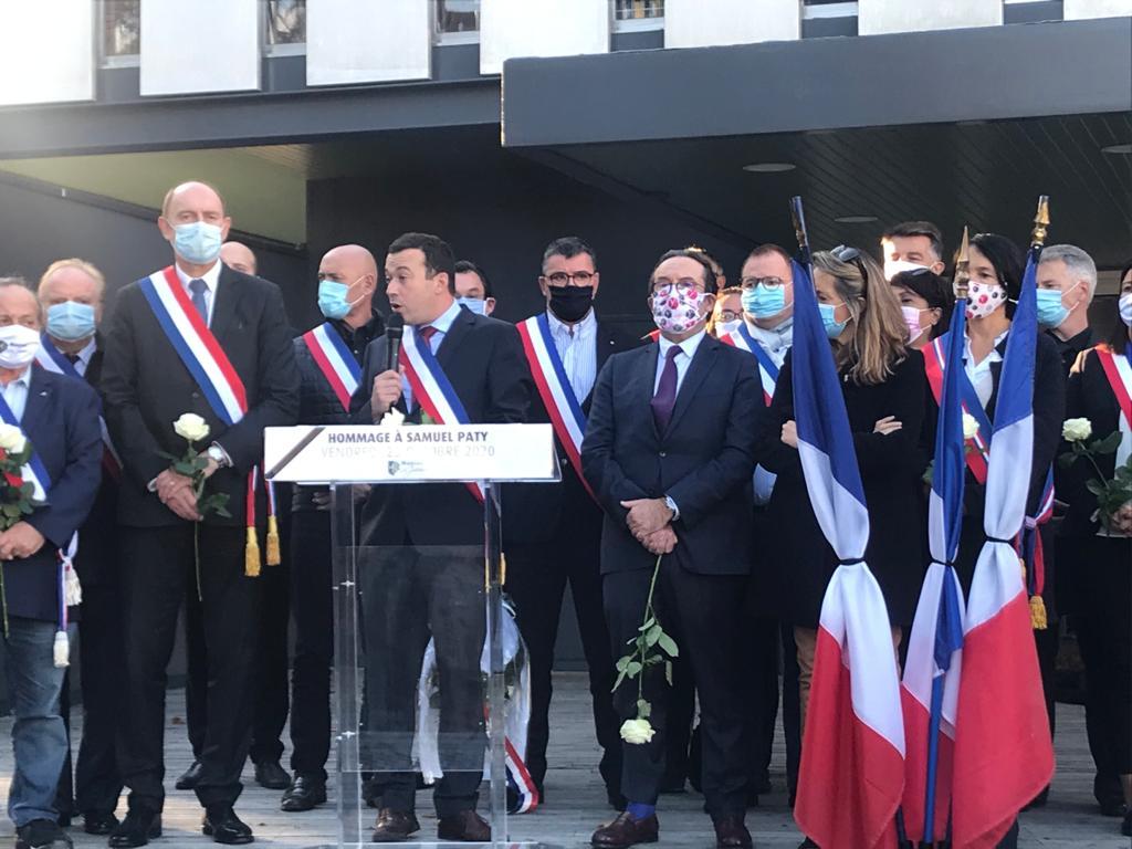 Cérémonie en mémoire de Samuel Paty à Mantes-la-Jolie